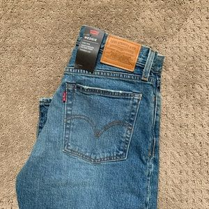 NWT Levi's Wedgie Jean